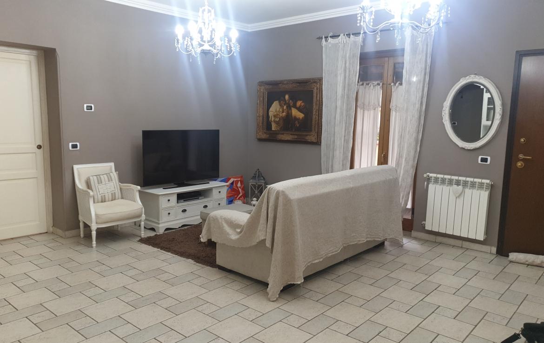 Villa angolare trilivelli